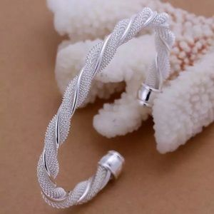 ❤️gorgeous all twisted sterling silver bracelet